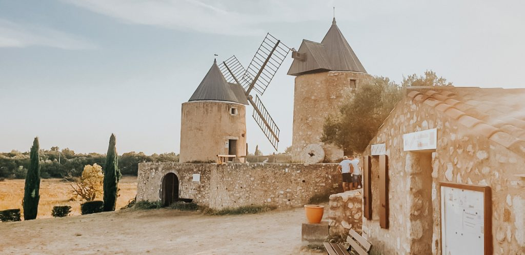 Moulins village de régusse