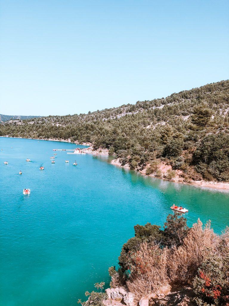 Idée de visite dans les gorges du Verdon : lac de sainte croix verdon