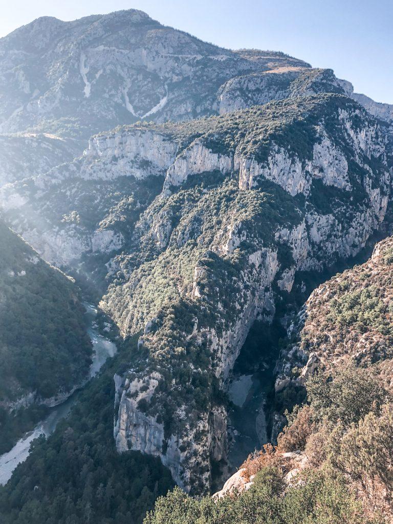 Que visiter dans les gorges du Verdon : vue panoramique Fer a cheval verdon