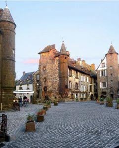 Village de France, Salers, Auvergne, que voir à moins de 100 km de vichy